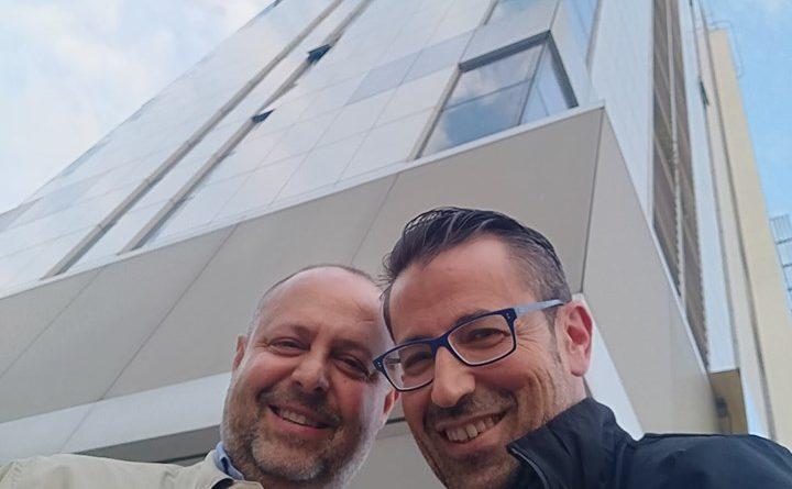 Roberto Stabellini Pasquale Valiante CosaNonVa #CosaNonVa Pasquale Valiante Presentatore #PasqualeValiante #FotoNonVa #segnalazione #segnalazionefotografica www.pasqualevaliante.it #videomakeritalia #copywriter #comunicazione